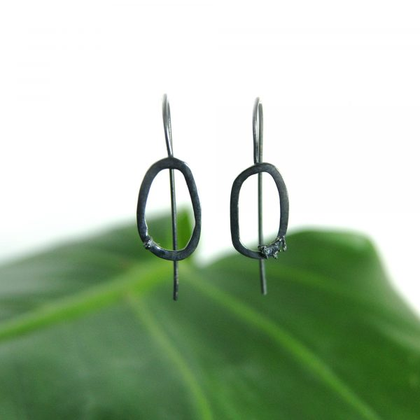 Libby Ward 'Small Moss earrings Drop Oxidised'