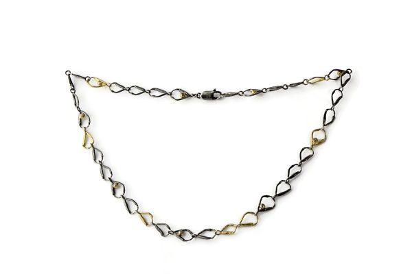 Magnolia Restrepo 'Origins chain'